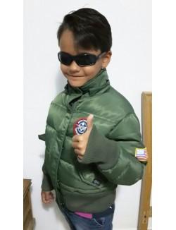 Bomber clásica USA, con capucha y parches.