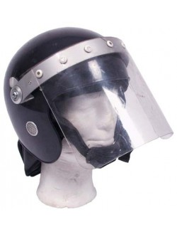 Casco antidisturbios, Policía Británica